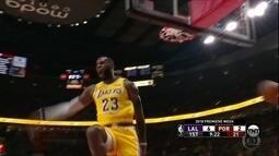 Lebron James faz 26 pontos, mas perde o jogo na estreia oficial pelo Lakers
