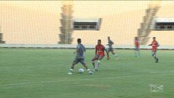 Sampaio Corrêa realiza jogo contra o Londrina em São Luís