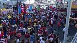Manifestantes realizam ato contra o candidato a Presidência Jair Bolsonaro em Natal