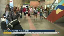 Feriado começou com grande movimento na Rodoviária de Curitiba