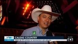 Cuiabano Lima é o responsável pela locução do Caldas Country Show
