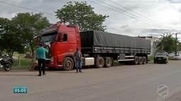Três suspeitos de levarem carretas roubadas no Brasil para a Bolívia são presos
