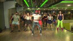 Turma do MTV encara aula de Fitdance com sucessos dos anos 80/90