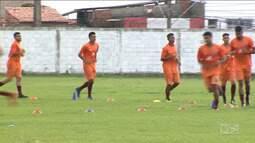 MAC e Pinheiro iniciam decisão da Copa FMF