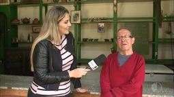 Seu Toninho conta a história da Igreja de Santa Catarina de Biritiba Mirim
