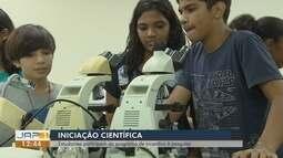 Estudantes participam de programa de incentivo à pesquisa