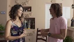 Renata conhece duas pessoas que fizeram, de suas casas, seus refúgios