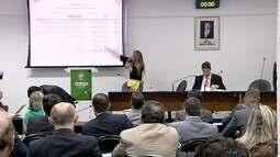 Secretária de Economia de Goiás promete pagamento dos salários atrasados de dezembro