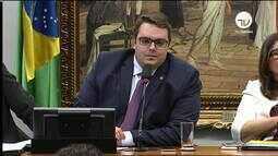 Oposição tenta atrasar votação do parecer da reforma da Previdência na CCJ
