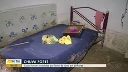 Casas são invadidas por lama de obra em Linhares, ES, durante forte chuva