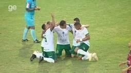 Locutor de estádio erra nome de time ao anunciar gol, e torcida protesta