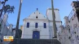 Muro da Igreja do Rosário ameaça cair na sede da CUT em Vitória