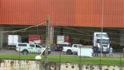 Trabalhador morre esmagado por caminhão ao descarregar mercadoria em supermercado no Acre