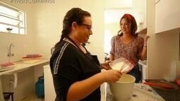 Roberta Campos conhece a história de quem faz bolos para vender na rua