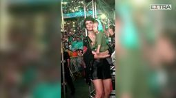 Filho de Junior Lima e Monica Benini rouba a cena no show do pai