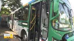Batida entre dois ônibus deixa uma passageira ferida em Salvador