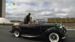 Desfile de 7 de Setembro: Bolsonaro chama garoto para subir no Rolls-Royce presidencial
