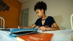 Fulbeas prepara meninas carentes para mercado de trabalho