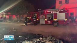 Incêndio destrói barracos em favela de Maceió