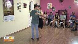 Dança de salão é realizado no Teatro de Arena
