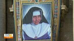 Fiéis celebram canonização de Irmã Dulce