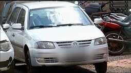 Adolescente é flagrado dirigindo carro com padrasto bêbado, mãe e duas crianças, em Jataí
