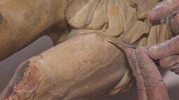 Imagens sacras de igreja de Catas Altas, no interior de Minas, são restauradas