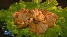 Prato Fácil: Aprenda a fazer frango frito crocante