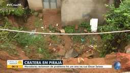 Moradores de Pirajá pedem conserto de cratera que abriu há mais de um ano