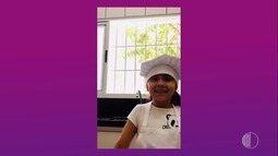 A pequena Lívia Bahia dá receita de uma raspadinha para o verão