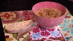 Poucos ingredientes e muito sabor: aprenda a preparar uma sopa de cebola