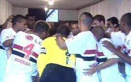 Em 2004, São Paulo bate o Juventus pela primeira fase do Campeonato Paulista