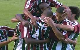 O gol de Corinthians 0 x 1 Fluminense pela 1 rodada do Brasileiro 2012
