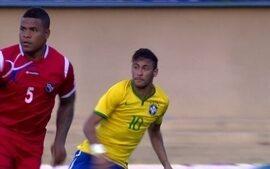 Sempre inesperado, Neymar improvisa e é show a parte na vitória sobre o Panamá