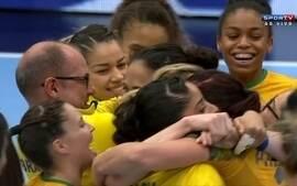 Brasil leva gol, mas Dara marca no último segundo e garante vitória brasileira, 21/20