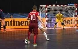 Ricardinho marca golaço contra a Sérvia pela Uefa Euro Futsal