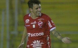 Jean Carlos chega ao São Paulo e se diz pronto para substituir Ganso