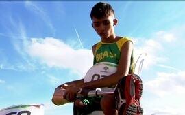 Menino que ganhou prótese de ex-jogador do Palmeiras disputa o Parapan de jovens
