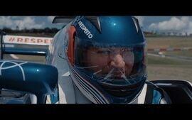 Movido a Respeito: em campanha da Globo, piloto controla carro de F1 por comandos cerebrai