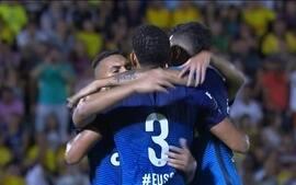 Corinthians enfrenta o Grêmio tentando aumentar a diferença na liderança do Brasileirão