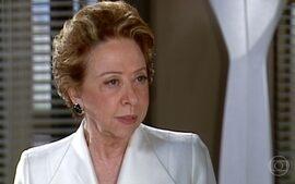 Ornela avisa Bia que Mary é herdeira de ações da Belíssima