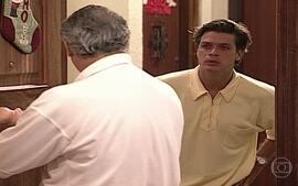 Marcelo chega furioso na casa de Atílio