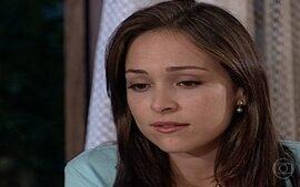 Eduarda quer que Marcelo decida entre ela ou Laura