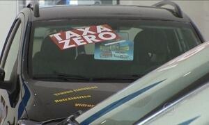 Concessionárias oferecem promoções para diminuir estoques de carros