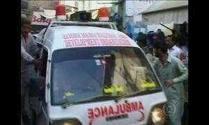 Explosão em mesquita deixa 40 mortos no Paquistão