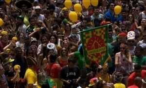 Rio e São Paulo têm carnaval antecipado com blocos na rua