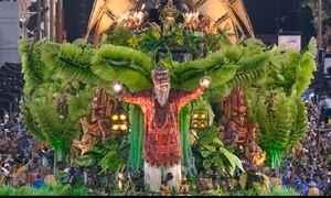 Beija-Flor comemora 13º título do grupo especial do Carnaval do Rio