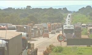 Protestos de caminhoneiros bloqueiam rodovias em seis estados