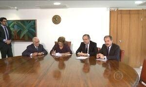Presidente Dilma sanciona lei  dos caminhoneiros sem alterações