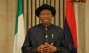 General que governou Nigéria nos anos 80 vence eleições presidenciais